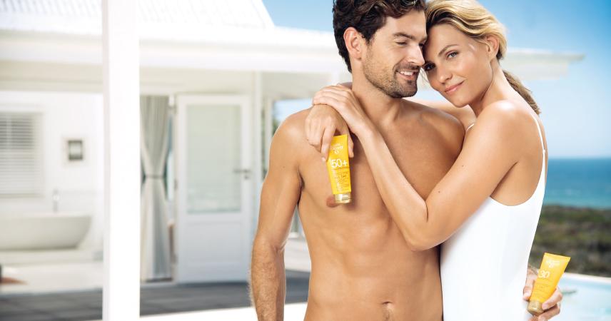 Bild Mann und Frau mit Sonnenschutz-Linie Louis Widmer